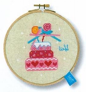 Girls verjaardagstaart strikjes
